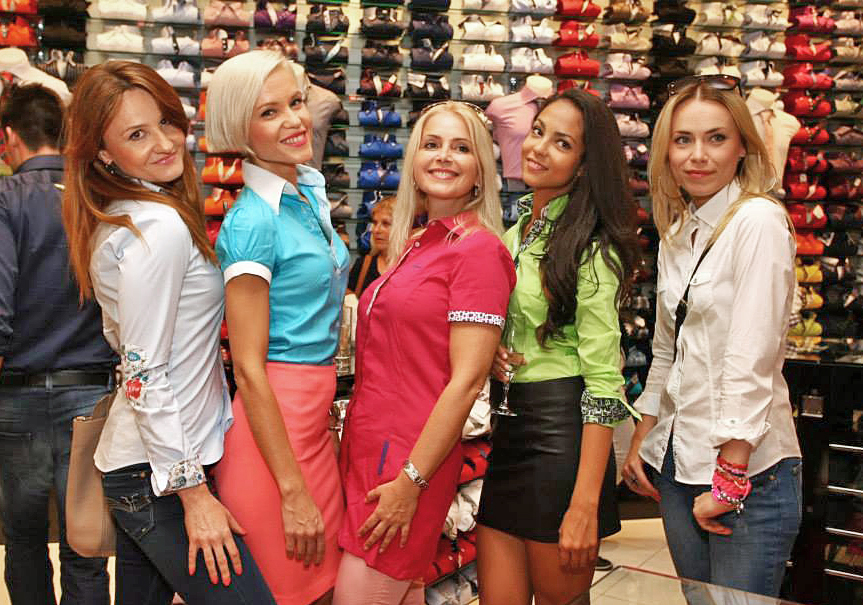 7camicie-andy-karnasova-mirka-partlova-alzbeta-ferencova-jana-tomas